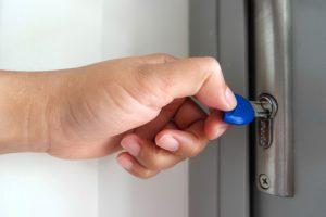 commercial locksmith commerce ca